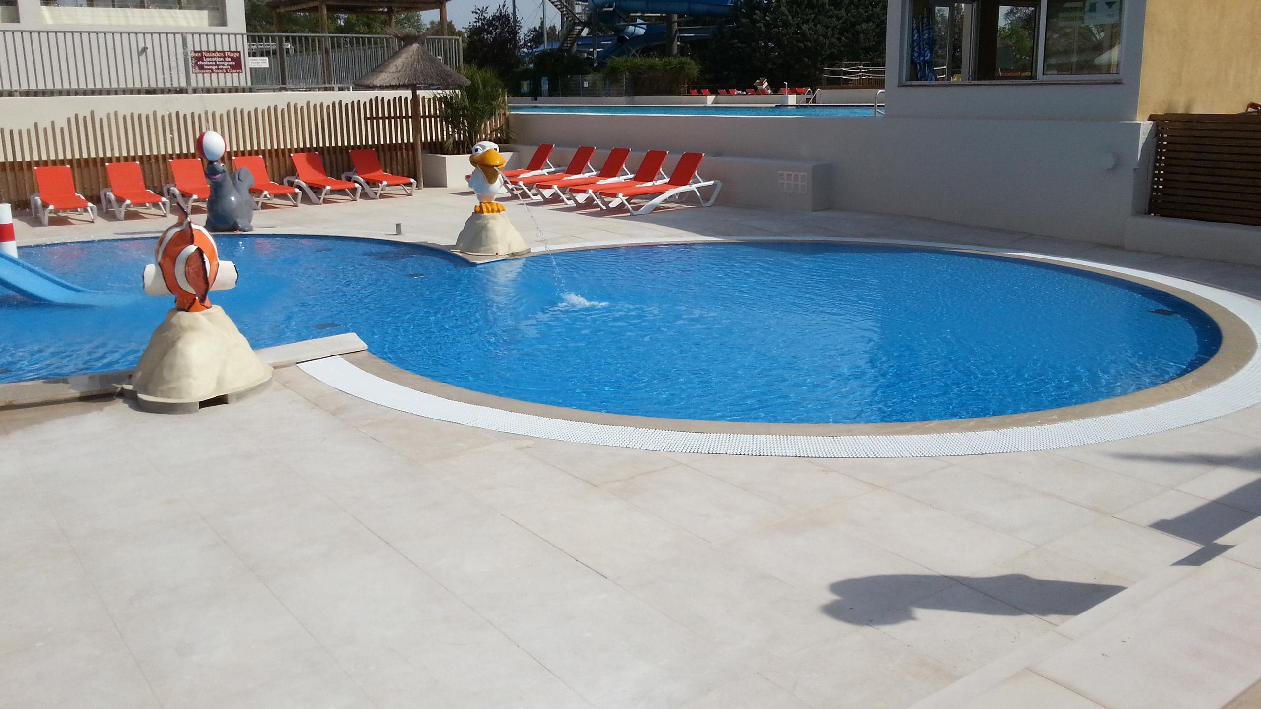 R novation compl te de piscine sur camping ramatuelle for Bassin piscine pierre
